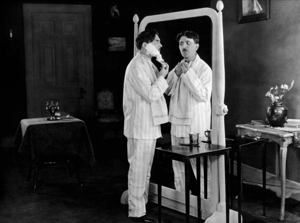 Sept ans de malheur studio des ursulines for Miroir 7 ans de malheur